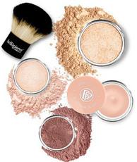 """Набор для макияжа """"Сияние"""" Glowing Complexion Essentials Kit BELLAPIERRE"""